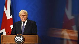 """Il premier britannico Boris Johnson: """"Allentare le misure. Se non ora, quando?"""""""