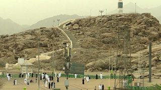 السعودية نيوز |      شاهد.. الحجاج على صعيد عرفات لتأدية ركن الحج الأعظم