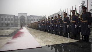 حرس الشرف الأفغاني أمام القصر الرئاسي في كابول (أرشيف)