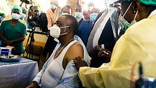 Zimbabwe : vaccination obligatoire contre la Covid-19, sans vaccins