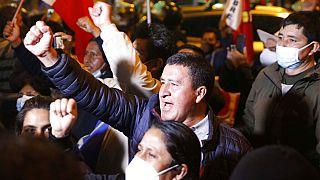 Pedro Castillo celebra su victoria en Perú