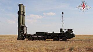 Rus S-500 füze savunma sistemi