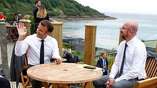 Emmanuel Macron e Charles Michel, juntos, no recente G20, na Cornualha