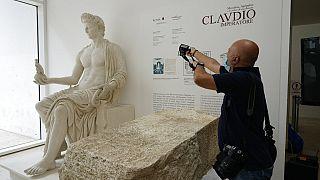 Roma'da şehir merkezinin kutsal sınırlarını belirleyen pemerium taşı.