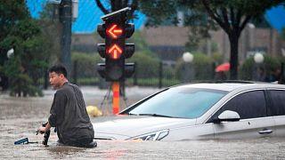 بارش شدید باران و جاری شدن سیل در چین