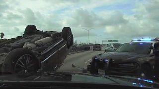 صحنههایی از تعقیب و گریز خطرناک پلیس با یک خودرو و تصادف در فلوریدا