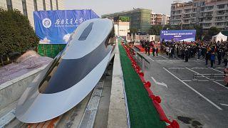 """قطار """"ماغليف"""" الصيني فائق السرعة"""
