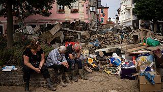 Grupo descansa dos trabalhos de limpeza das cheias em Bad Neuenahr-Ahrweiler