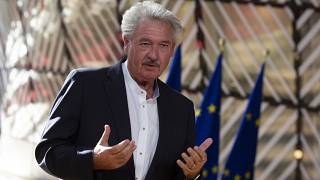 Jean Asselborn újságírói kérdésekre válaszol 2020. július 13-án Brüsszelben