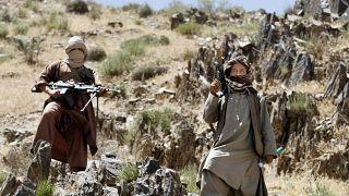مقاتلان من حركة طالبان (أرشيف)