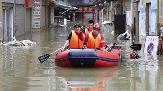 Κίνα: Αυξάνεται ο απολογισμός των νεκρών από τις πλημμύρες