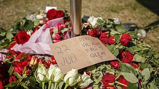 Szerte Norvégiában megemlékeztek a tíz évvel ezelőtti utoyai terrortámadás áldozataira