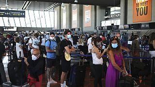 Colas en el aeropuerto de Niza, Francia, para un vuelo de British Airways con destino Londres, el pasado día 14 de julio.
