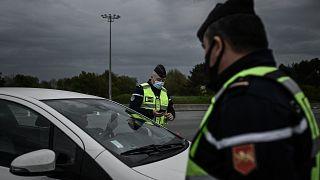 """منظّمات حقوقية ترفع دعوى ضد الدولة الفرنسية بسبب """"تحقّق الشرطة من الهوية تبعا لملامح الوجوه"""""""