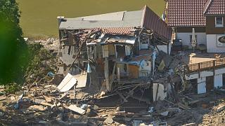 A house is completely torn open after the flood in Marienthal, Germany.