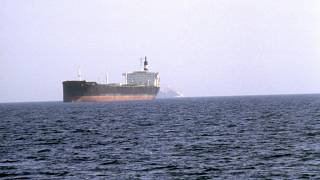 Hürmüz Boğazı'ndan geçen bir petrol tankeri (arşiv)