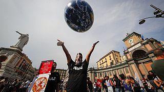 Manifestation pour le climat en marge d'une réunion du G20 sur l'environnement, à Naples, en Italie, le jeudi 22 juillet 2021.