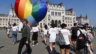 Viktor Orban a annoncé la tenue prochaine d'un référendum en Hongrie et demandé le soutien des électeurs sur la loi anti-LGBT+.