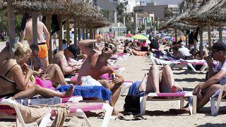 Turistas en la playa de Mallorca, el 7 de junio de 2021
