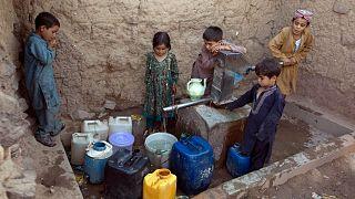 گروهی از کودکان پناهجوی افغان در پاکستان