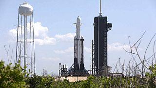 Space X'in Falcon Heavy roketi