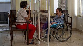 La crisis económica deja los hospitales del Líbano sin recursos frente a una nueva ola de COVID-19