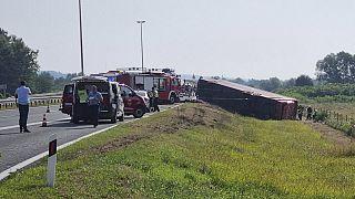 Hırvatistan'da otobüs kazası: En az 10 kişi hayatını kaybetti