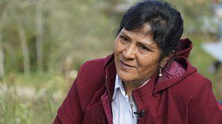La futura primera dama de Perú, Lilia Paredes, de 48 años, habla durante una entrevista fuera de su casa de adobe, el  22 de julio de 2021.