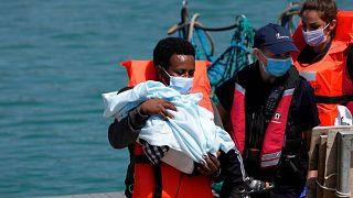 عکس آرشیوی از نجات مهاجران در مانش