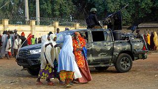 عکس آرشیوی از آزادی دانشآموزان ربوده شده در نیجریه