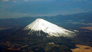 Фудзияму открыли для альпинистов
