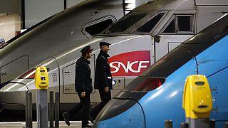 Frankreich: Tödlicher Baustellenunfall legt Zugverkehr teilweise lahm