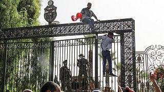 Preocupación internacional por la crisis política en Túnez tras la polémica decisión del presidente