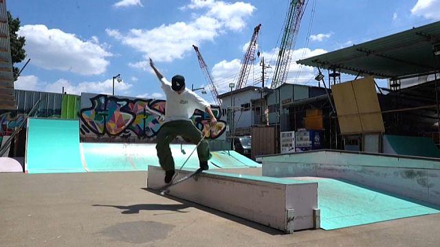 Blind Japanese skateboarder going by feel