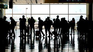 Passageiros no aeroporto de Salt Lake City, nos Estados Unidos