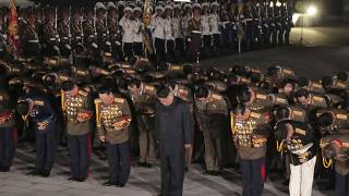 زعيم كوريا الشمالية كيم جونغ أون في مراسم احفالات يوم انتهاء الحرب بين الكوريتين