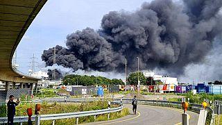 Мощный взрыв прогремел на химическом полигоне в городе Леверкузен в Германии