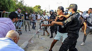 Tunisie : l'inquiétude est générale et le ras-le-bol des crises monte