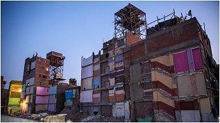 نموذج للعمارات السكنية التي لم تستوف شروط الهندسة الإنشائية، القاهرة، مصر