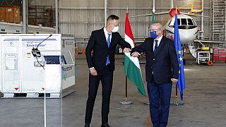 Szijjártó Péter magyar és Augusto Santos Silva portugál külügyminiszterek