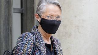 وزيرة العمل الفرنسية إليزابيث بورن