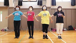 pom-pom girls séniors à l'entrainemetn