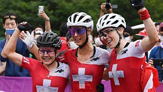 Les suissesses Sina Frei, Jolanda Neff et la Suisse Linda Indergand le 27 juillet 2021.