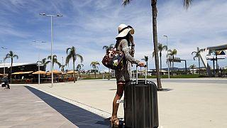 Voyageuse arrivant à Faro, au Portugal, archives, 17 mai 2021