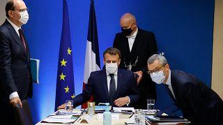 """بعد الاشتباه بالتجسس على الرئيس ماكرون ... إسرائيل تؤكد لفرنسا أنّها تتعامل """"بجدية"""" مع قضية بيغاسوس"""