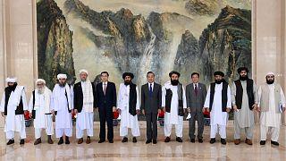 Çin Dışişleri Bakanı Wang Yi, Taliban heyeti ile görüştü