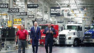 """""""Buy American"""": Biden lancia la campagna per rilanciare l'economia"""