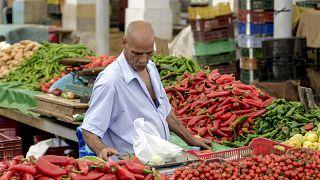 Tunisie : les commerces appelés à baisser leurs prix pendant la crise