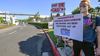 Manifestation des salariés grévistes du groupe Activision Bilzzard à Irvine, en Californie, 28 juillet 2021
