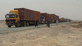Афганские талибы взимают плату за перевозку грузов в Пакистан